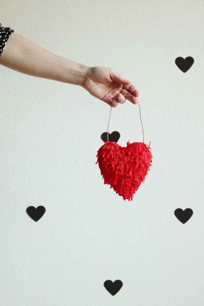 diy-valentine-fringed-heart1